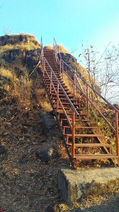 step on the way to sudhagad fort
