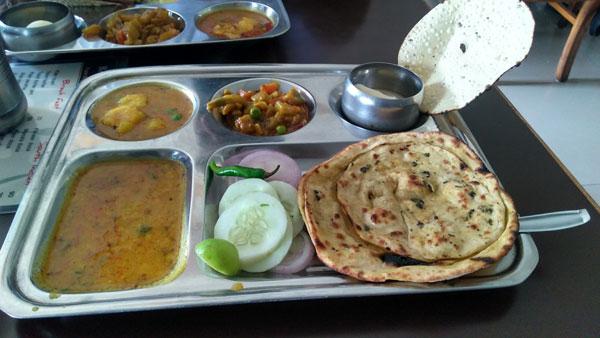 marwari-bhoj-lunch-plate