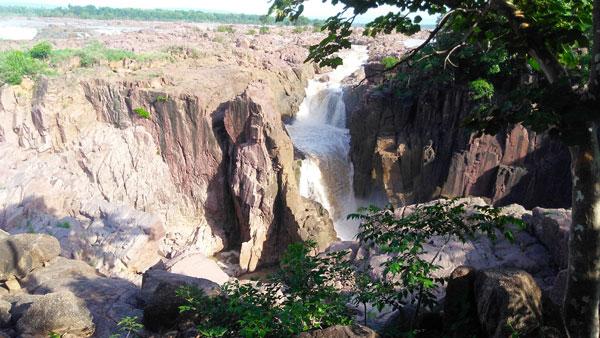 raneh-waterfall-khajuraho
