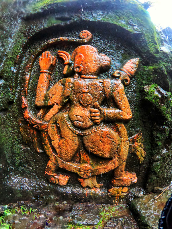hanuman-carving-at-visapur-fort
